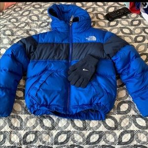 North Face kids Jacket with NIKE gloves